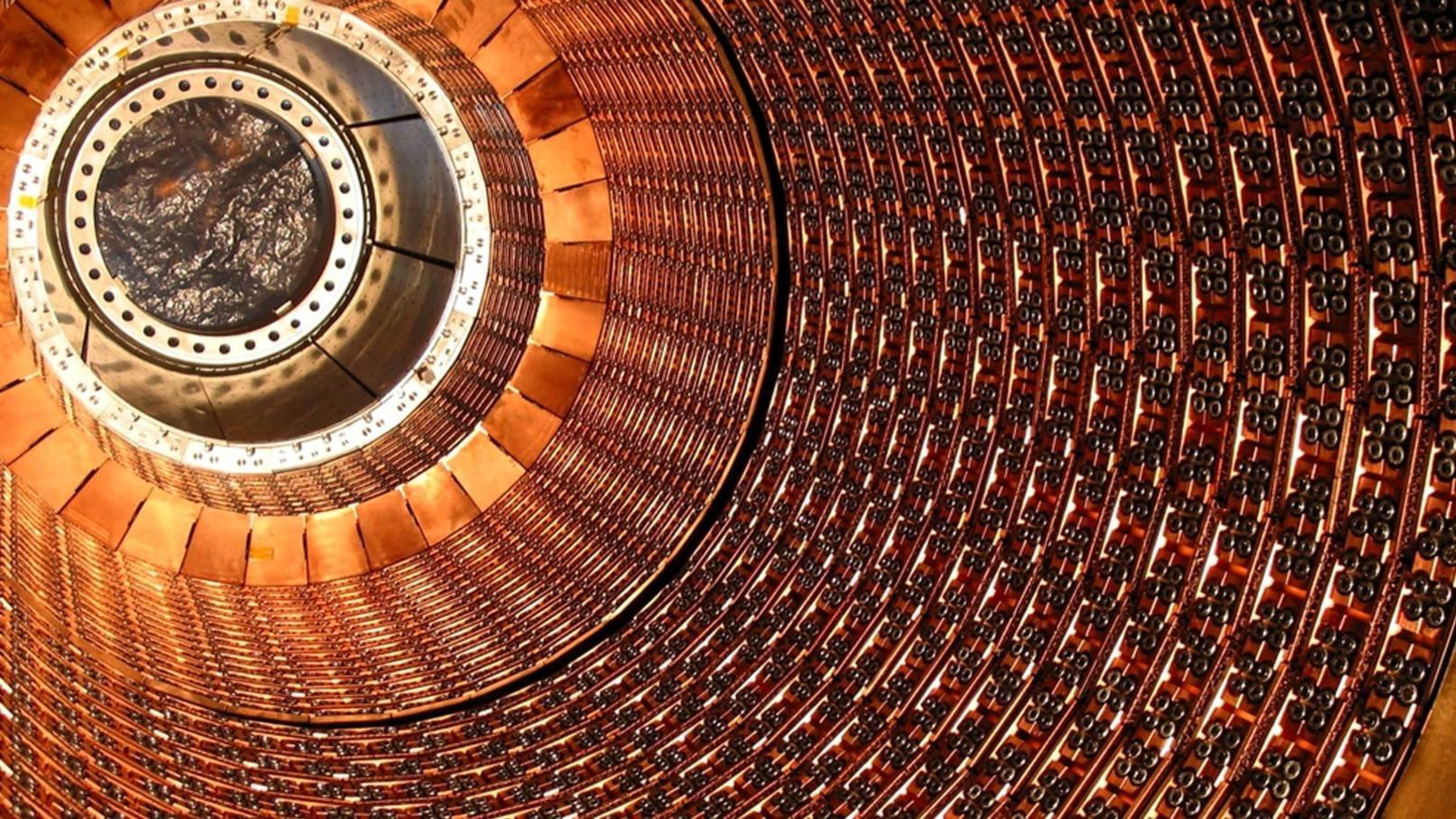 Физики создали аналог черной дыры и подтвердили теорию Хокинга. К чему это приведет?